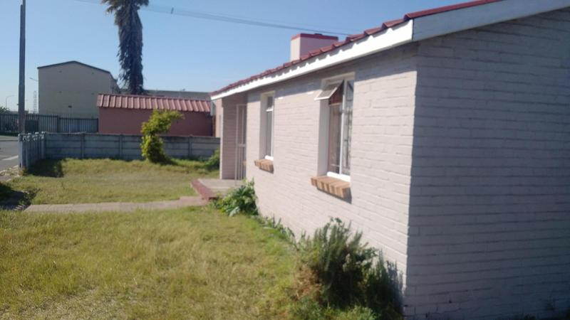 Property For Sale in Manenberg, Cape Town 3