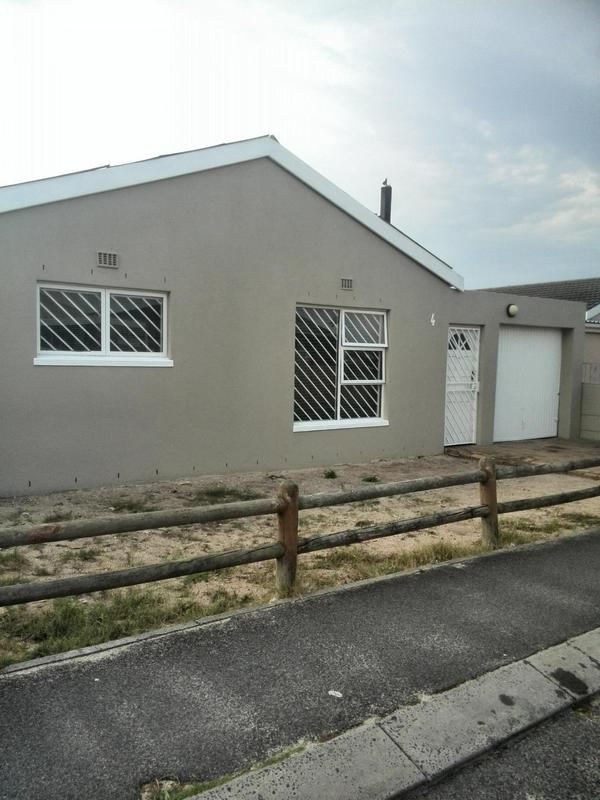 Property For Sale in Pelikan Park, Cape Town 2