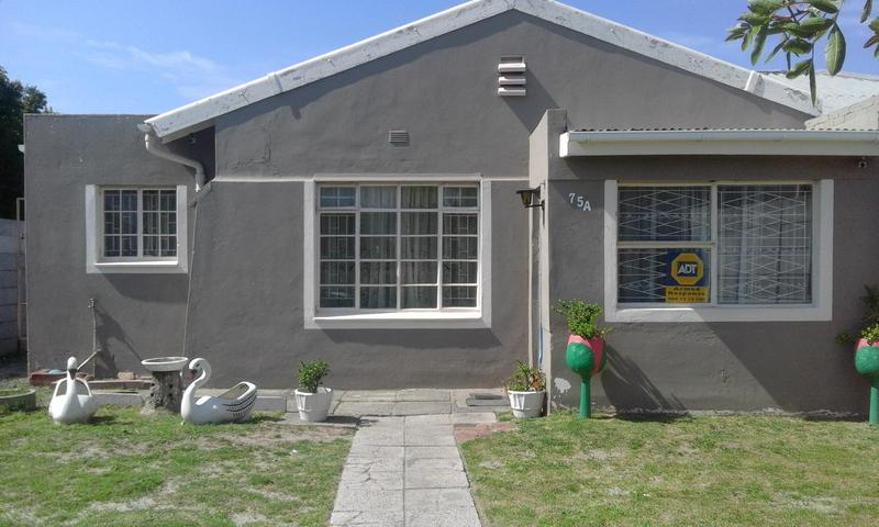 House For Sale in Bergvliet, Cape Town