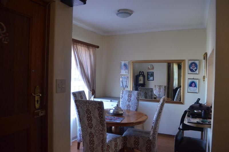 House For Sale in Pelikan Park, Cape Town