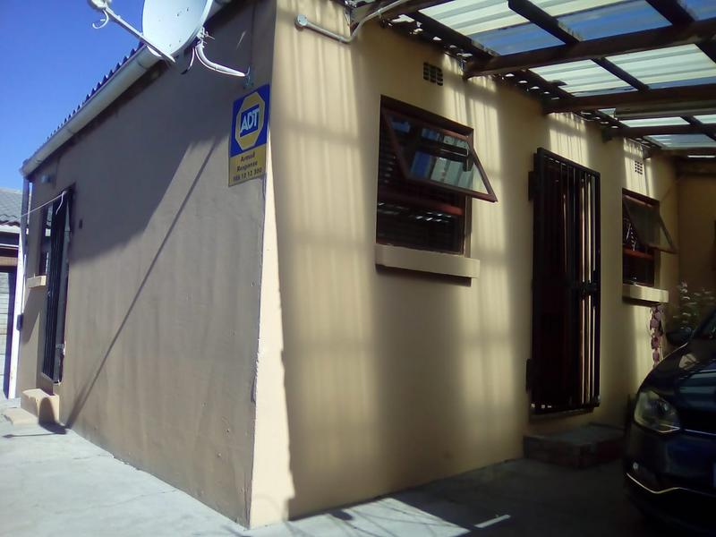 Property For Sale in Lavender Hill, Cape Town 20