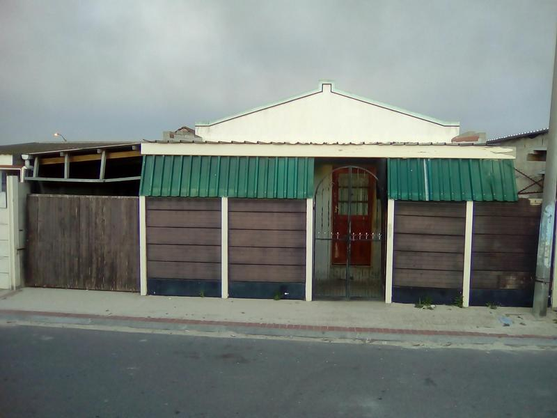 Property For Sale in Lavender Hill, Cape Town 13