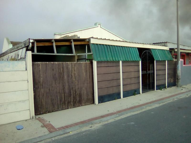 Property For Sale in Lavender Hill, Cape Town 14