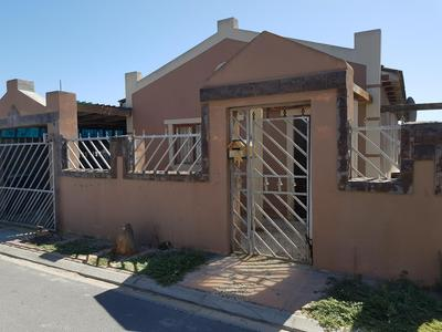 Property For Sale in Lavender Hill, Cape Town