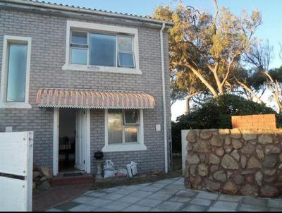 Property For Sale in Pelikan Park, Cape Town