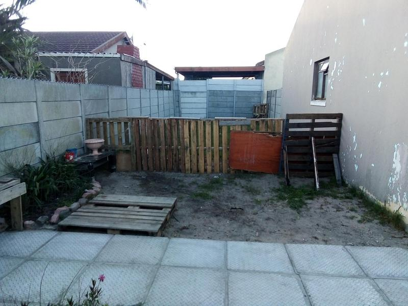 Property For Sale in Grassy Park, Cape Town 9
