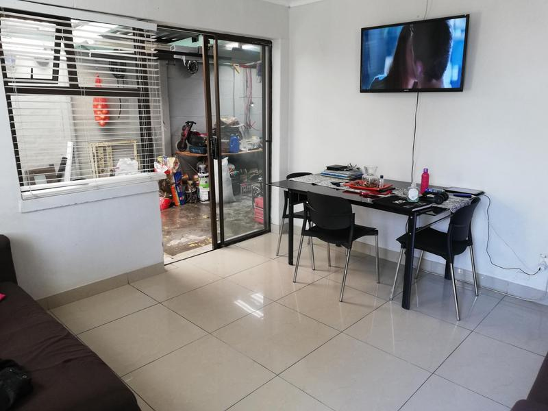 Property For Sale in Pelikan Park, Cape Town 7
