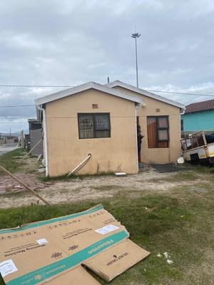 House For Sale in Mfuleni, Blue Downs